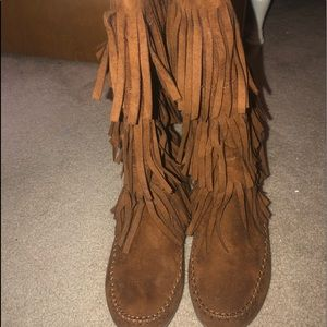 Shoes - Size 8 fringed boots